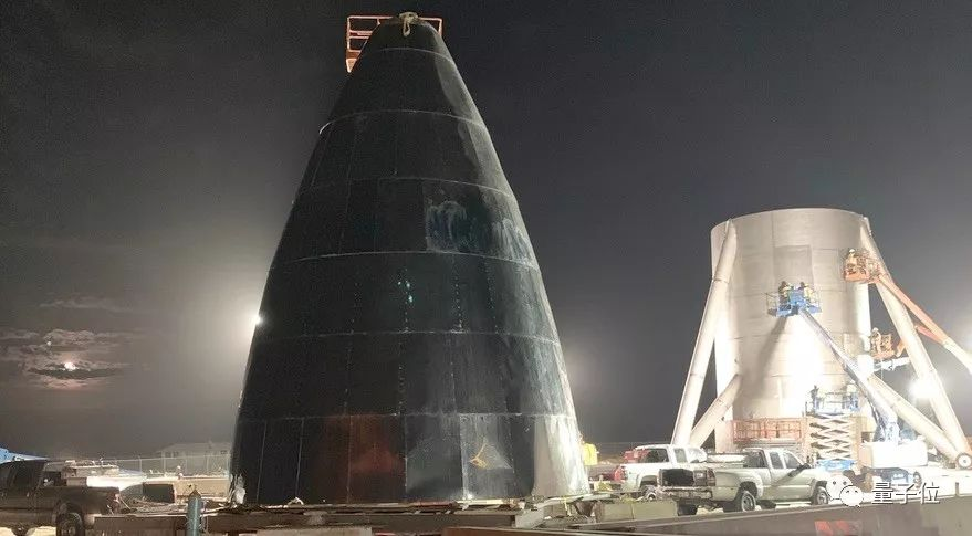 马斯克圣诞节晒太空飞船:明年4月测试,5年后飞火星